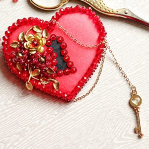 Образа в каменьях Брошь Ключ к сердцу 6,5х6см арт. 99-Б-05